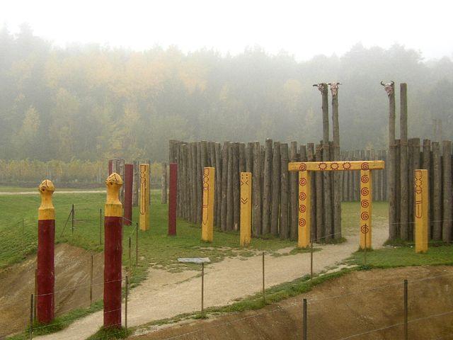 Rekonstruierte Kreisgrabenanlage (NÖ. Landesausstellung am Heldenberg)